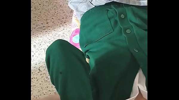 Imagen Colegiala mexicana se masturba uniformada